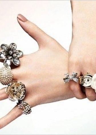 upoznavanje nakita za kostime iz Chanela vi momci iz loze