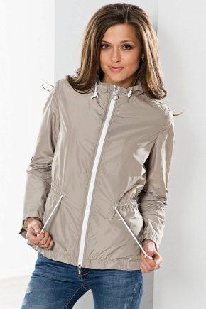 Vestes légères pour hommes et femmes: le choix optimal pour les personnes actives