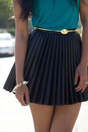 La jupe plissée est de retour à la mode