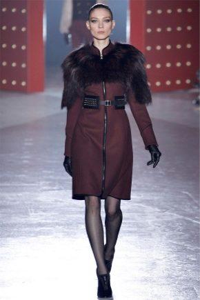 Cappotto in cashmere con collo di pelliccia