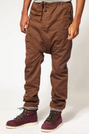Pantaloni pentru barbati