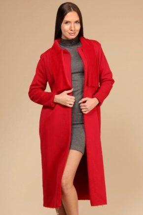 Cosa indossare con un cappotto rosso?