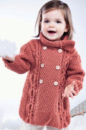 Cappotto lavorato a maglia per ragazze