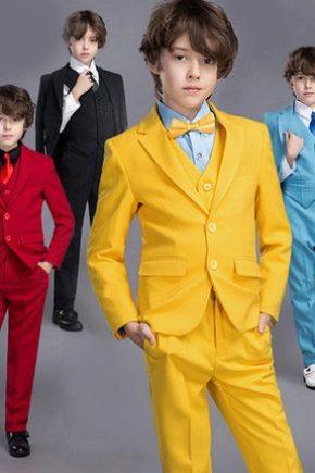 Klasszikus öltöny egy fiúnak
