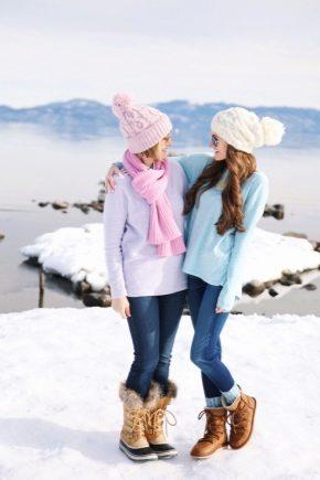Bottes d'hiver pour femmes sur le quai