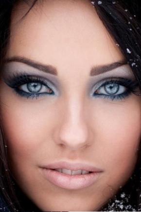 Smink a kék szemek