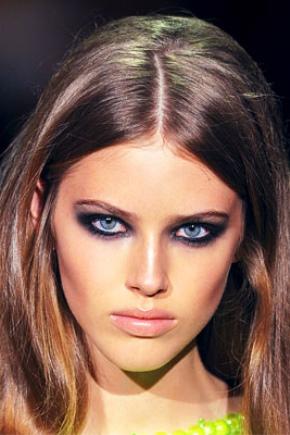 Smoky eyes pour les yeux bleus