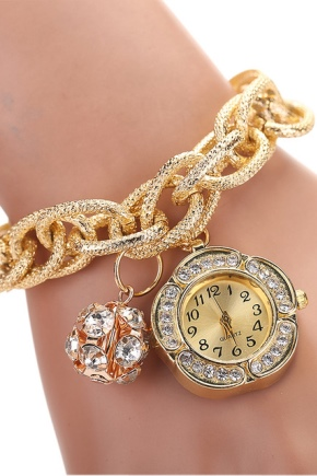 Montre en or avec un bracelet en or