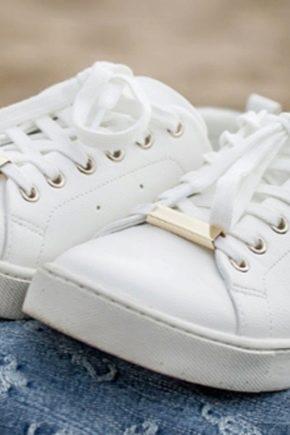Comment laver les baskets blanches?