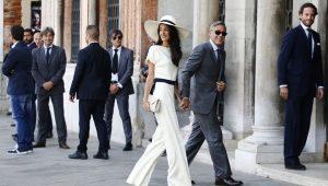 Pantaloni albe pentru femei