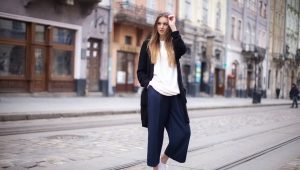 Pantalonii tăiați de femei