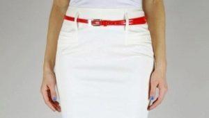 Que puis-je porter avec une jupe crayon blanche?