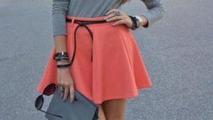 Que porter avec une jupe en corail?