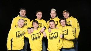 NaVi sweatshirt with the champion's Star Ladder logo