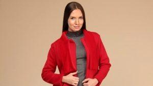 Čo nosiť s červeným kabátom?
