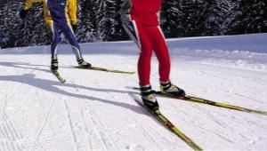 Ako si vybrať lyžiarske topánky na korčuľovanie?