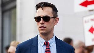 Cravate tricotée - doit avoir de la saison