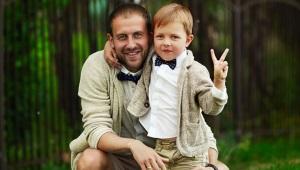 Comment attacher une cravate pour enfants avec un élastique?