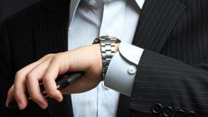 Montre mécanique de poignet à remontage automatique