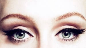 Comment augmenter avec l'aide du maquillage des yeux?