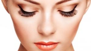 Laminage et cils de Botox