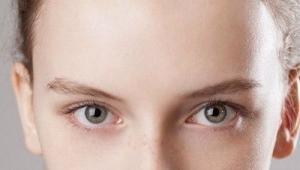 Trucco per occhi per bionde con occhi grigi