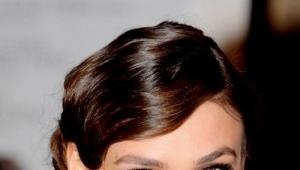 Make-up pod bordó šaty