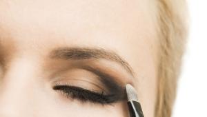Make-up v technológii ceruzky