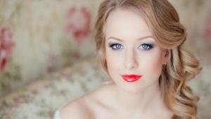 Maquillage de mariage pour les yeux bleus