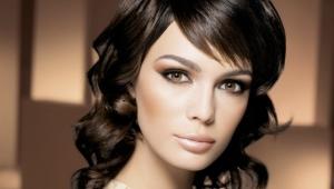 Maquillage de soirée pour les yeux bruns