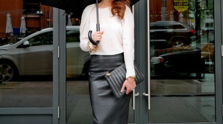 Que puis-je porter avec une jupe crayon en cuir?