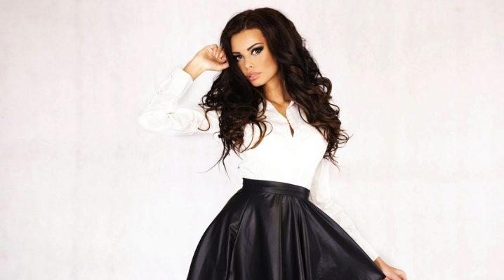 Que puis-je porter avec une jupe en similicuir?