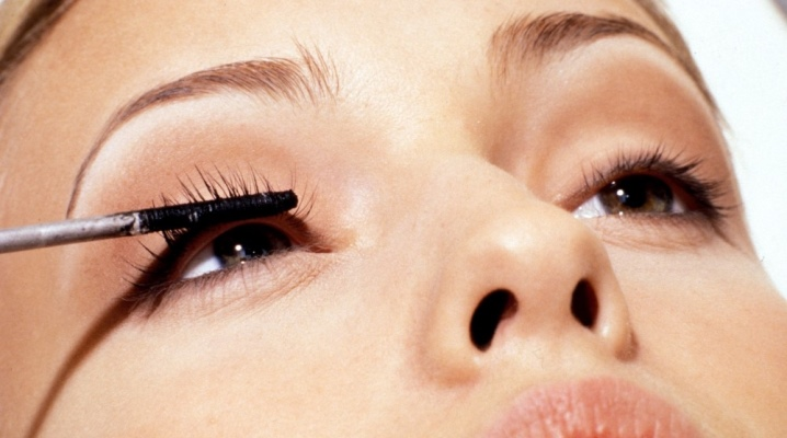 ricinolja ögonfransar