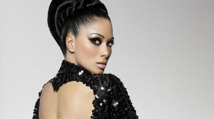 Maquillage sous une robe noire