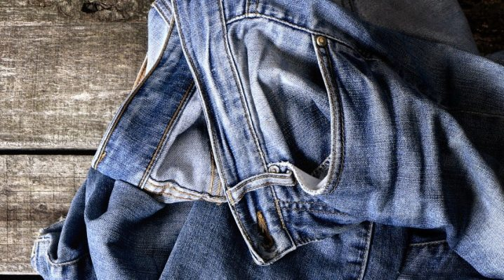 How to wash a greasy stain on jeans?