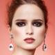 Ako si vybrať make-up, aby zodpovedali farbe šaty?