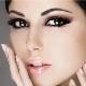 Maquillage pour le bal des yeux bruns