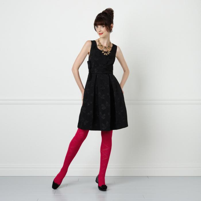 Welche Strumpfhose trägt man unter einem schwarzen Kleid ...
