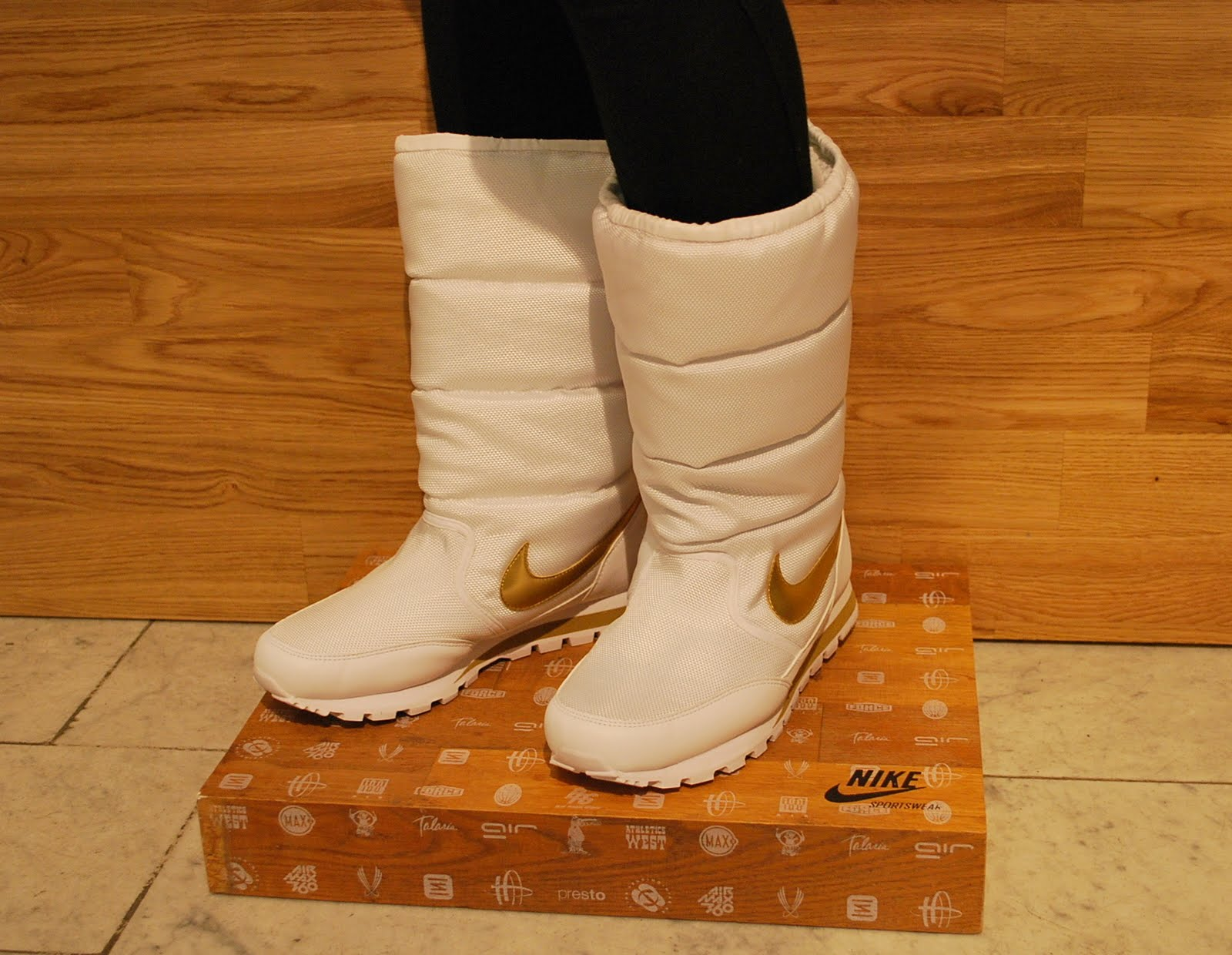 Women's Nike quilts: winter boots with fur